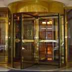 Revolving door at Hotel Rochester gets climate separation